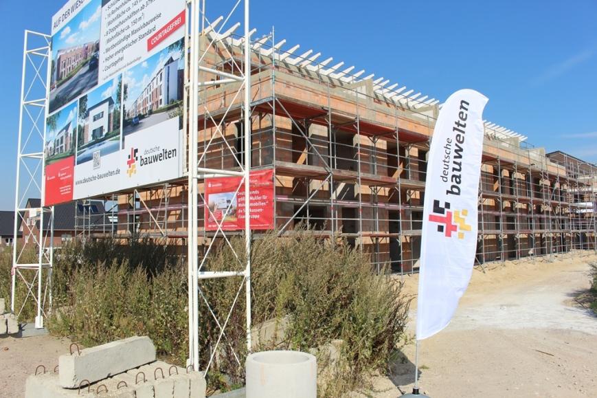 Die Reihenhäuser von Deutsche Bauwelten werde Ende 2016 an ihre Besitzer übergeben